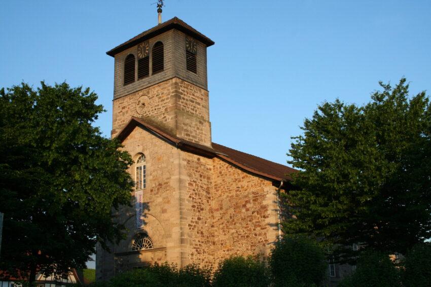Martinskirche in Oedelheim aus Richtung L561